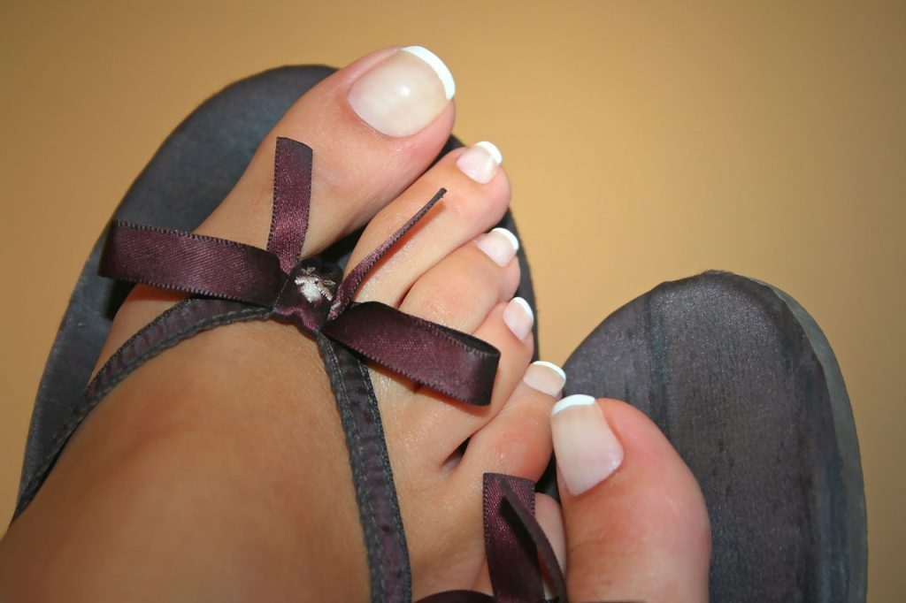 Toe Nails French Nails Nail Varnish  - ParoxDark / Pixabay