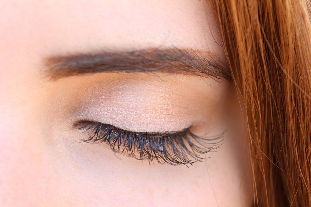 Woman Girl Makeup Lashes Female  - angeljana_ / Pixabay